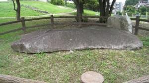 王墓の上石